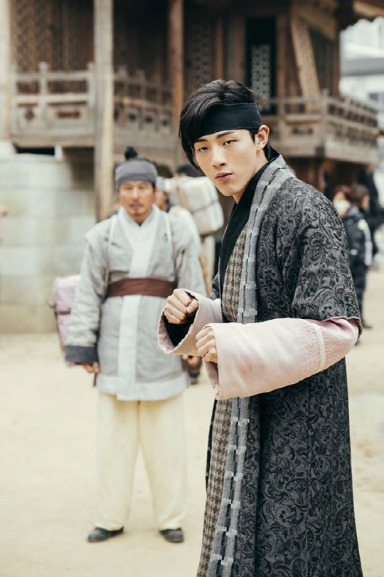 K-Bu Bu Jing Xin Showcases Ji Soo as 14th Prince and Kang ...