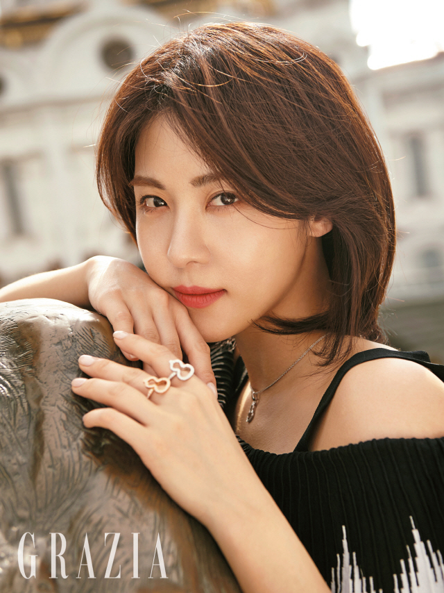 Won A Year Subscription To Men S Health Was Happy Until: Ha Ji Won Keeps On Being Beautiful And Strong In New